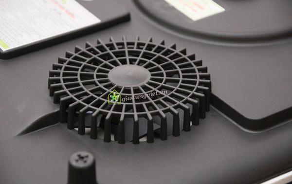 Bếp điện từ Kangaroo KG419i quạt tản nhiệt