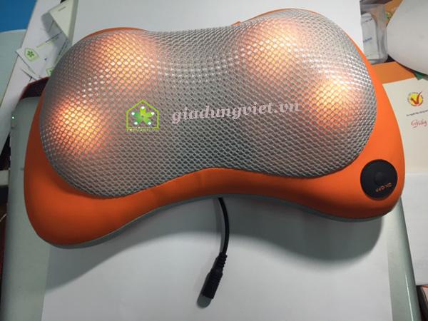 Thư giãn với gối massage điện hồng ngoại Shiatsu 111 Pin sạc điện