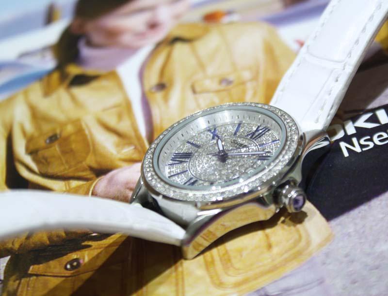 Đồng hồ Casio nữ SHE-4510L-7A máy Quartz