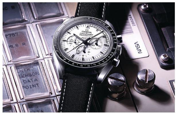 đồng hồ thể thao nam Omega