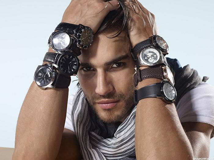 đồng hồ đeo tay đa dạng phong cách kiểu dáng