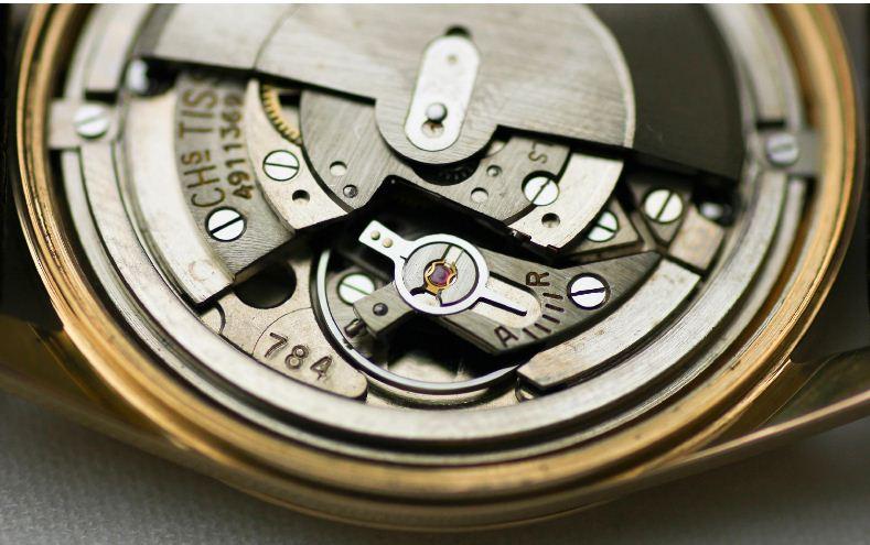Đồng hồ Tissot Visodate máy đáng tin cậy