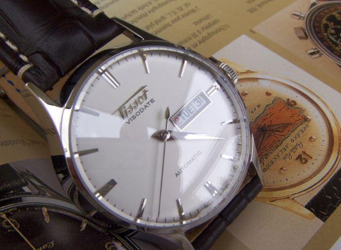 Đồng hồ Tissot Visodate kính vòm sapphire