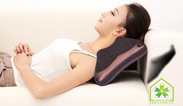 Gối massage đầu giúp bạn thư giãn, giảm đau đầu