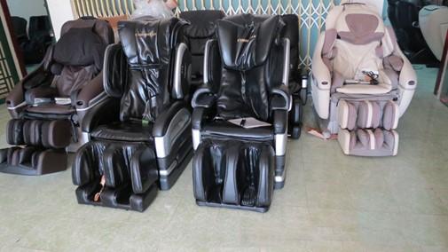 ghế massage toàn thân cũ giá sốc
