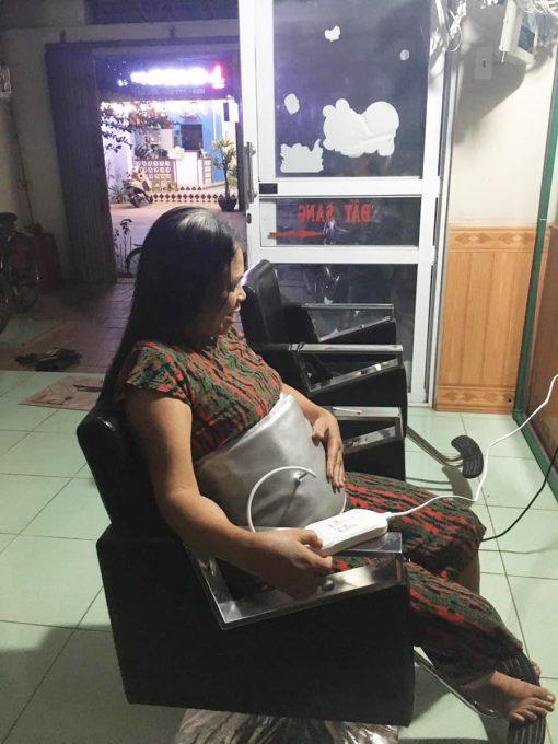 Đai massage bụng quấn nóng Saporoo cho người trung tuổi