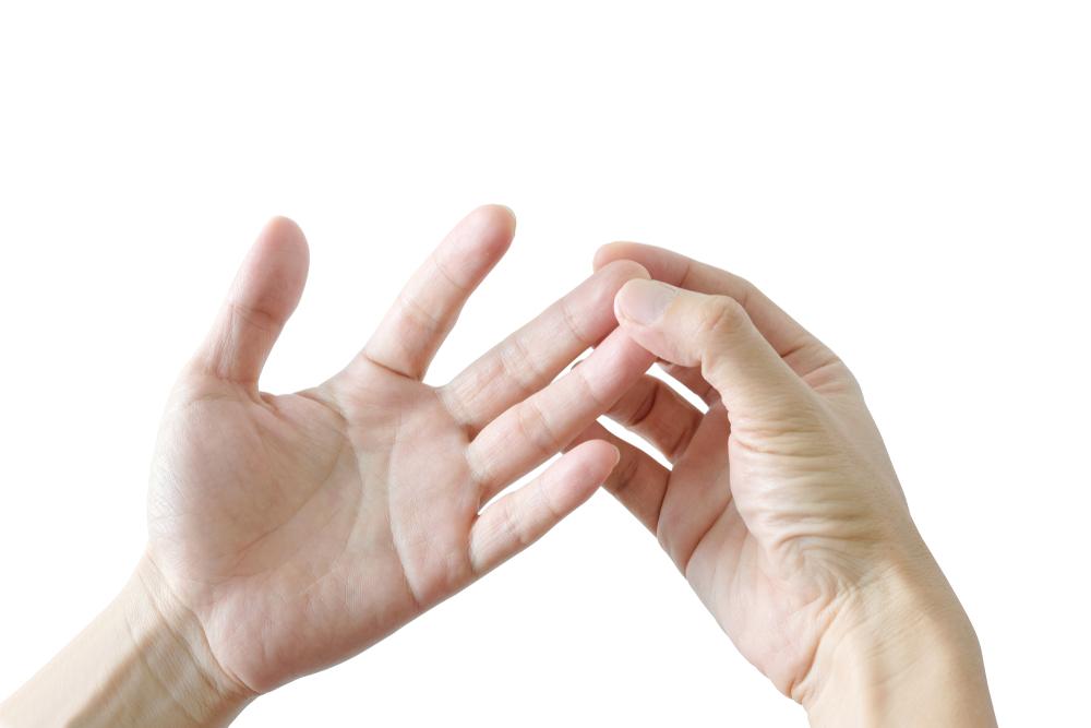 Cách trị tê ngón tay như thế nào?